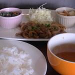 March - 生姜焼き(780円)(ミニサラダ、ライス、スープ、ドリンク付き)