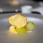 ラ・ブランシュ - ズワイガニとブドウのカクテル
