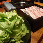 15967305 - レタスと豚しゃぶ