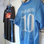 トラットリア・築地パラディーゾ - ナポリと云えば、マラドーナ、壁に飾ってます
