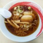 丸山らーめん - 料理写真:中太らーめん 680円