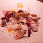159695717 - ⚫「富士鶏のロースト シーザースタイル  マッシュルームソテー  クルトン  赤ワインと半熟卵のソース」