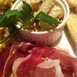 イタリア食堂 LAPANCIA - 生ハムは、羊の生ハムと2種類