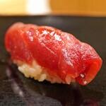日本橋蛎殻町 すぎた - 大間産の鮪の赤身のづけ