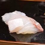 日本橋蛎殻町 すぎた - 北海道利尻産の平目