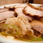 159738919 - ● 肉そば 普通盛り ¥1,270-( 税込 )