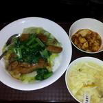15974994 - 豚角煮野菜丼+小麻婆豆腐 ¥500