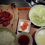 醍醐 - ランチの焼肉定食です。