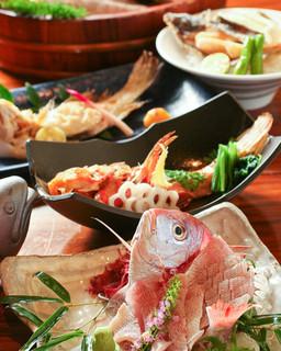 串焼き・魚 新宿宮川 - 旬の産直天然魚は毎月変わるお勧めメニューからどうぞ!