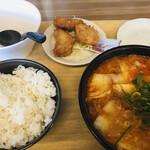 餃子の王将 - 料理写真:トムヤムクンスープ定食 1078円(税込)(2021.10.現在)