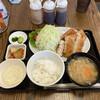 居酒食堂 わ楽 - 料理写真:メインはもちろん味噌汁、小鉢も充実