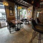 Italia Bar Ponte - テーブル席