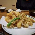 ろっこん - 天ぷら山盛り