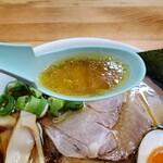 159812549 - 透き通るスープに鶏油