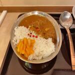 田そば - ポークビンダルー 酸味のあるカレー初めての味わい・・・。