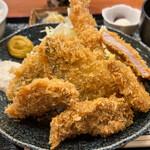 下田海鮮やまや  - 料理写真:ミックスフライ定食 1100円。