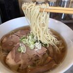 麺屋 愛心 - 金色スープ&細ストレート麺