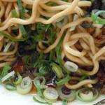 博多金龍 - 「金龍油そば」太麺(カタメン)