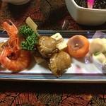 常盤館 - 八寸・焼き銀杏・ホタテ串・有頭海老・玉子と野菜のゼリー寄せ・ワカサギ甘露煮など