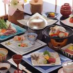 ホテル三楽荘 お食事処和久わく - 料理写真:リーズナブルに南紀の旅を「しおかぜ」会席