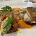 レストラン山崎 - 大鰐産青森シャモロック胸肉のリンゴ果汁蒸し、フォアグラのポワレ、カボチャのピューレ