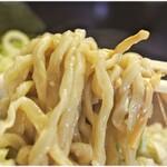 手打ち中華そば 酒田 - ガチムチな麺