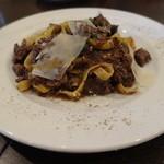 ナポリピッツァ Pizzeria la Rossa - やわらかく煮込んだ牛スネのラグーフィットチーネ