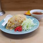 159914649 - 焼飯580円(スープ、お漬物、キャベツの千切り、紅生姜付き)