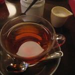 リアルダイニングカフェ - 紅茶(ミルク)