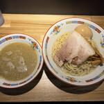 煮干中華 余韻 - 【2021.9.6】凝縮煮干しつけ麺(並)1000円+味玉100円