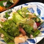 酒菜屋 なないろ - 海鮮サラダ