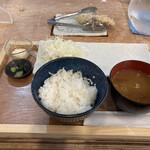 白いメンチカツ とんべい - 料理写真:お新香 野沢菜の少なさは びっくりです