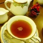 15998557 - 紅茶はポットサービス