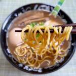 たけちゃんにぼしらーめん - 中細ストレート麺