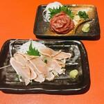 肉寿司 炭火焼鳥 食べ放題×全席完全個室 雪月花 - 上、馬刺し。地鶏ももたたき