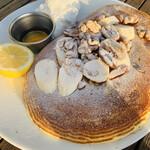 160025876 - バターミルクパンケーキ バナナウォールナッツトッピング