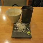 打心蕎庵 - 常陸秋そば の 蕎麦汁 と 薬味