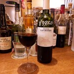ビストロ ラグリ - ⚫グラスの赤ワイン