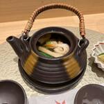 梅田 鮨 よこ田 - 松茸の土瓶蒸し