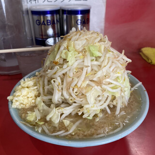 ラーメン 大 - 料理写真:普通盛¥800 コールは全マシ