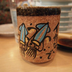 廻転寿司 海鮮 - 特徴的な湯飲み正面
