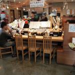廻転寿司 海鮮 - 店内カウンター席です