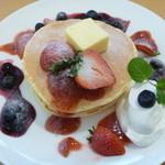 スモールムーン - 2種ベリーのパンケーキ