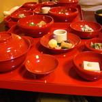 16013361 - 湯豆腐おきまりの品々