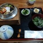 釜めし蔵 - 料理写真:五目釜めし(1500円)