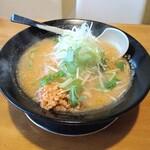 麺屋 花蔵 - 鶏ごぼうラーメン(みそ味)