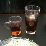 とんすけ - サービスのほうじ茶/コカ・コーラ 2012/11