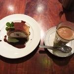 16017695 - ジンジャーチャイと栗のロールケーキ
