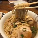 松戸中華そば 富田食堂 - 麺リフト。