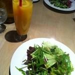 シンパティア - セットサラダとドリンク